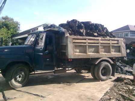 รถบรรทุกดิน ขนาดหกล้อ 8 คิว